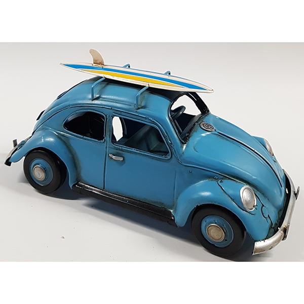 """מכונית רטרו """"חיפושית"""" עם גלשן כחול"""