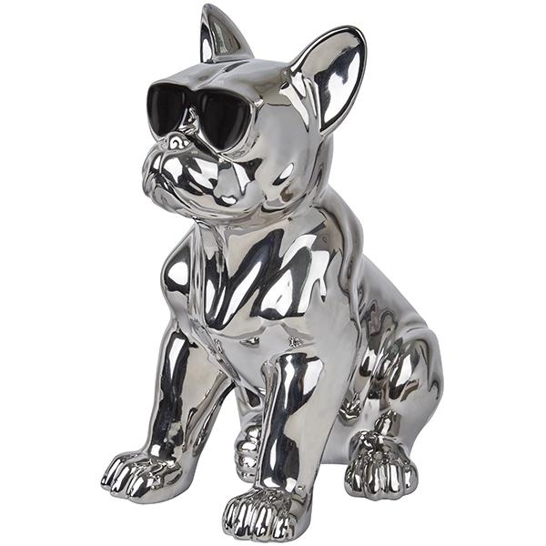 פסלון כלב כסוף עם משקפי שמש