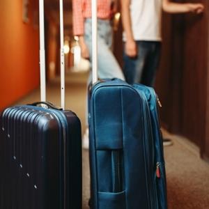 אביזרים לנסיעות וטיסות
